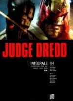 Judge Dredd T4 : 2000AD Progs 156-207 (0), comics chez Soleil de Grant, Gosnell, Wagner, Smith, Gibson, Dillon, Ewins, McMahon, Bolland, Briclot