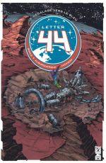 Letter 44 T5 : Décalage vers le bleu (0), comics chez Glénat de Soule, Foss, Kelly, Jones, Moss, Gluskova, Jackson, Jiménez Alburquerque