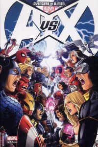 Avengers vs X-Men T1, comics chez Panini Comics de Hickman, Fraction, Aaron, Brubaker, Bendis, Coipel, Kubert, Cho, Romita Jr, Molinar, Martin, Keith, Cheung