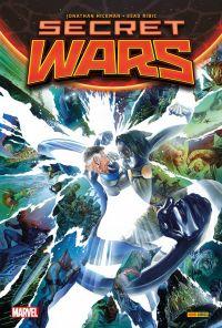 Secret Wars : , comics chez Panini Comics de Leth, Ewing, Hickman, Ribic, Villalobos, Shalvey, Renaud, Browne, Powell, Guillory, Aragones, Svorcina, Ross