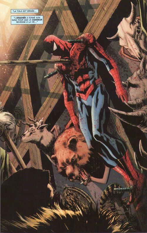 Spider-Man (revue) – V 2, T138 : Le chasseur chassé (0), comics chez Panini Comics de Wells, Kelly, Guggenheim, Dematteis, Gaudiano, Checchetto, Lark, Fiumara, Mayhew, Hollingsworth, d' Auria, Yu