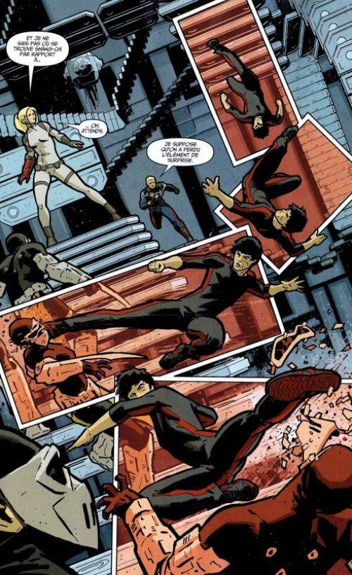 Marvel Stars T16 : La zone du néant (0), comics chez Panini Comics de Aaron, Parker, Ellis, Aja, Allen, Silvestri, Walker, Broussard, Hardman, Martin jr, Basualda, Gho, Breitweiser