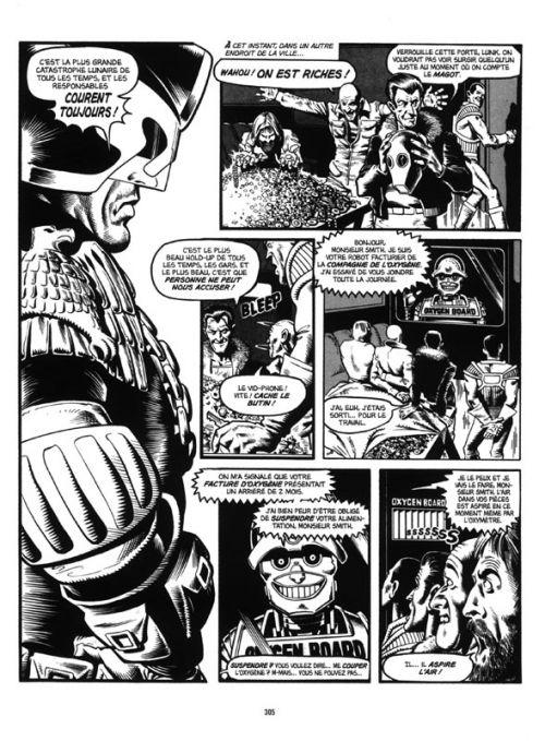 Judge Dredd - Affaires Classées T1, comics chez Delirium de Shaw, Gosnell, Mills, Herring, Collins, Wagner, Flynn, Bolland, Cooper, Belardinelli, McMahon, Ezquerra, Gibson