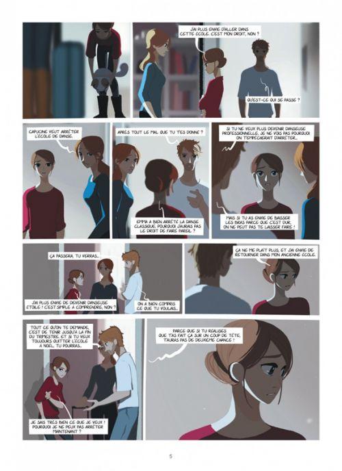 Emma et Capucine T2 : Premiers doutes (0), bd chez Dargaud de Hamon, Sayaphoum